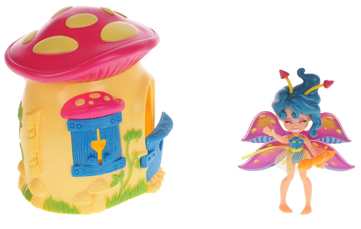 Lanard Набор фигурок Фея Спора и лесной домик-гриб84206Набор фигурок Фея Спора и лесной домик-гриб - это чудесный игровой набор, который непременно понравится каждой девочке. Милая фея Спора познакомит девочку с волшебным миром, в котором она живет, и посвятит малышку во все сказочные тайны. Спора очень жизнерадостная фея и обожает рисовать. Для этого в комплекте с ней имеются кисть и палитра с красками. У феи яркие крылышки с блестками и прозрачная юбочка. Голова, ручки и ножки двигаются. Фея живет в забавном домике-грибочке с яркой крышей. Дверь домика и ставни на окошке открываются. Набор с очаровательной феей надолго завладеет вниманием ребенка, а входящие в набор аксессуары разнообразят игровой процесс.