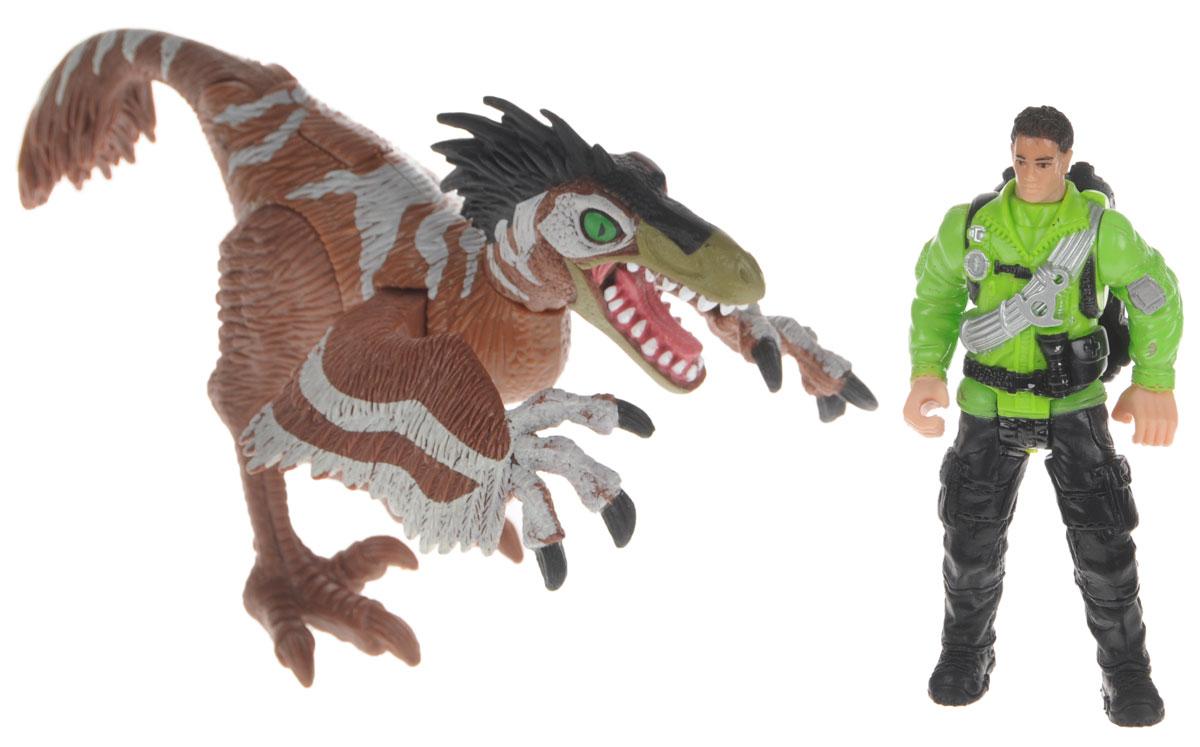 Chap Mei Игровой набор Ютараптор и охотник со снаряжением520151-2Игровой набор Chap Mei Ютараптор и охотник со снаряжением непременно придется по душе вашему малышу. Голова фигурки охотника поворачивается, конечности двигаются. У фигурки динозавра подвижные конечности и хвост, голова вращается. На спине имеется кнопка, при нажатии на которую динозавр смыкает передние лапы. Игровой набор Chap Mei Ютараптор и охотник со снаряжением способствует развитию у ребенка цветового восприятия, мелкой моторики, хватательного рефлекса, осязания и координации движений. Игрушка разовьет интерес ребенка к изучению живого мира нашей планеты. Отлично подходит для сюжетно-ролевых игр, которые способствуют развитию памяти и воображения у малыша. В комплекте также многочисленное снаряжение охотника.