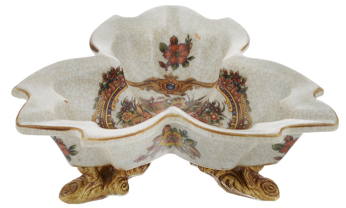 Конфетница Rosenberg, 19,5 х 19,5 см77.858@18677, R479Оригинальная конфетница Rosenberg, изготовленная из высококачественной керамики, украшена изображением цветов. Стильная форма идеально впишется в любой интерьер. Размер (по верхнему краю): 19,5 х 19,5 см.