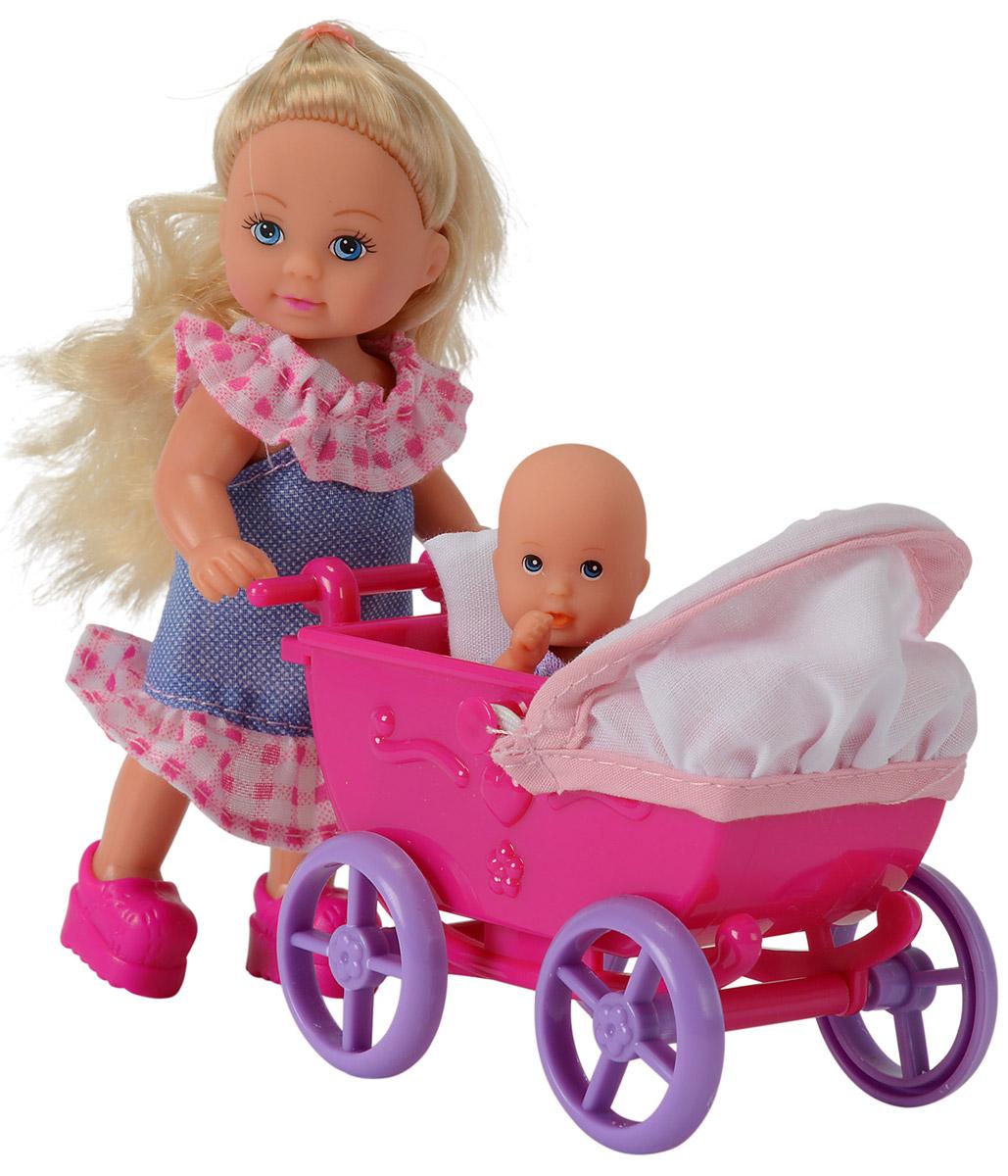 Simba Кукла Еви в платье с малышом5736241Игровой набор Simba Еви с малышом порадует любую девочку и надолго увлечет ее. Для прогулки со своим малышом у куклы есть все необходимое: удобная коляска, одеяло, подушка, игрушки и погремушки. Еви очень любит гулять с младенцем. Она одета в стильное летнее платье и розовые ботиночки. Вашей дочурке непременно понравится заплетать длинные белокурые волосы куклы, придумывая разнообразные прически. Руки, ноги и голова куклы подвижны, благодаря чему ей можно придавать разнообразные позы. Игры с куклой способствуют эмоциональному развитию, помогают формировать воображение и художественный вкус, а также разовьют в вашей малышке чувство ответственности и заботы. Великолепное качество исполнения делают эту куколку чудесным подарком к любому празднику.