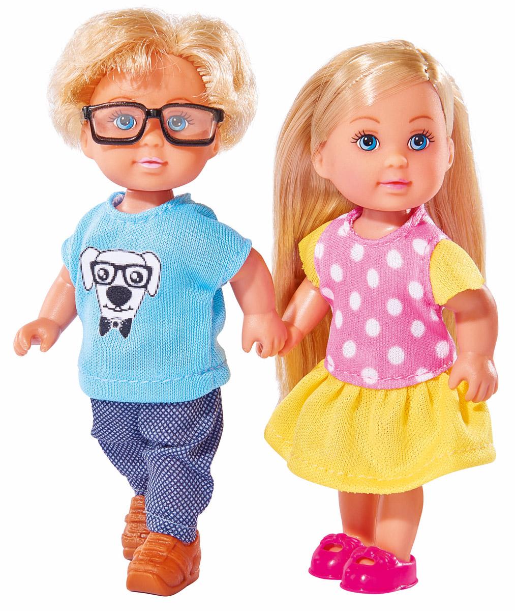 Simba Набор кукол Еви и Тимми5737113Набор кукол Simba Еви и Тимми порадует любую девочку и надолго увлечет ее. Еви и Тимми идут в школу и по пути весело проводят время вместе. Еви одета в красивое платье желтого цвета в горошек и розовые ботиночки, а ее друг - в штанишки синего цвета и голубую футболку с изображением щенка. Вашей дочурке непременно понравится заплетать длинные белокурые волосы куклы, придумывая разнообразные прически. Руки, ноги и голова кукол подвижны, благодаря чему им можно придавать разнообразные позы. Игры с куклами способствуют эмоциональному развитию, помогают формировать воображение и художественный вкус, а также разовьют в вашей малышке чувство ответственности и заботы. Великолепное качество исполнения делают этих кукол чудесным подарком к любому празднику.