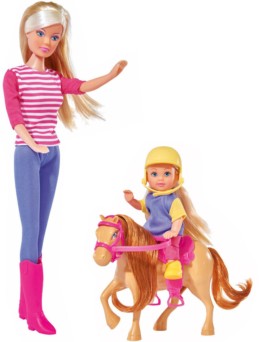 Simba Набор кукол Штеффи и Еви с пони на ферме5738051Набор кукол Simba Штеффи и Еви с пони на ферме надолго займет внимание вашей малышки и подарит ей множество счастливых мгновений. Кукла Штеффи - инструктор по верховой езде и обучает Еви езде на ее милом пони. Куклы изготовлены из пластика, их головы, руки и ноги подвижны, что позволяет придавать ей разнообразные позы. В комплект входят большая кукла Штеффи и маленькая кукла Ева с пони. Штеффи одета в удобный фиолетово-розовый костюм. Наряд дополняют длинные розовые сапоги. Еви одета в розовые лосины и желтую футболку с жилеткой, а дополняет ее образ наездницы желтая каска. Чудесные длинные волосы кукол так весело расчесывать и создавать из них всевозможные прически, плести косички и хвостики. Благодаря играм с куклами, ваша малышка сможет развить фантазию и любознательность, овладеть навыками общения и научиться ответственности, а дополнительные аксессуары сделают игру еще увлекательнее. Порадуйте свою принцессу таким прекрасным подарком!