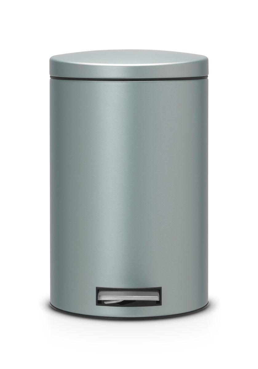 Ведро для мусора с педалью Brabantia 12л Silent, цвет: мятный металик484209Педальный бак Brabantia на 12 л поистине универсален и идеально подходит для использования на кухне или в гостиной. Достаточно большой для того, чтобы вместить весь мусор, при этом достаточно компактный для того, чтобы аккуратно разместиться под рабочим столом. Механизм MotionControl обеспечивает мягкое действие педали и бесшумное открывание крышки; Удобный в использовании - при открывании вручную крышка фиксируется в открытом положении, закрывается нажатием педали; Надежный педальный механизм, высококачественные коррозионно-стойкие материалы; Удобная очистка - прочное съемное внутреннее пластиковое ведро; Предохранение пола от повреждений - пластиковое защитное основание; Всегда опрятный вид - идеально подходящие по размеру мешки для мусора с завязками (размер C); 10-летняя гарантия Brabantia.