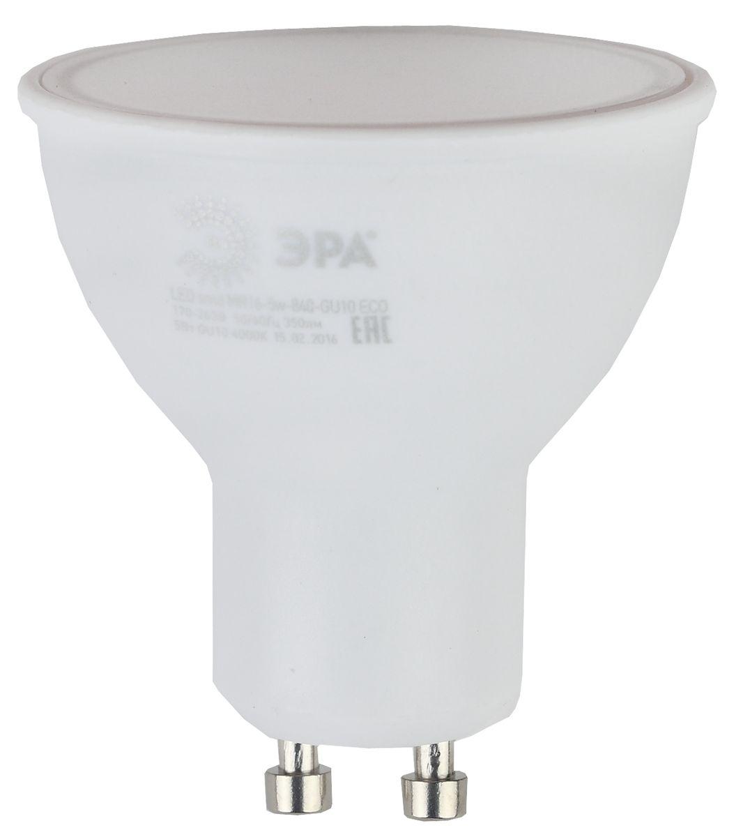 Лампа светодиодная ЭРА, цоколь GU10, 170-265V, 5W, 2700К. Б00190625055945536454Светодиодная лампа ЭРА является самым перспективным источником света. Основным преимуществом данного источника света является длительный срок службы и очень низкое энергопотребление, так, например, по сравнению с обычной лампой накаливания светодиодная лампа служит в среднем в 50 раз дольше и потребляет в 10-15 раз меньше электроэнергии. При этом светодиодная лампа практически не подвержена механическому воздействию из-за прочной конструкции и позволяет получить любой цвет светового потока, что, несомненно, расширяет возможности применения и позволяет создавать новые решения в области освещения. Особенности серии Eco: Предназначена для обычного потребителя Цена ниже, чем цена компактной люминесцентной лампы Световая отдача источников света - 70-80 лм/Вт Срок службы составляет 25000 часов Гарантия - 1 год. Работа в цепи с выключателем с подсветкой не рекомендована.