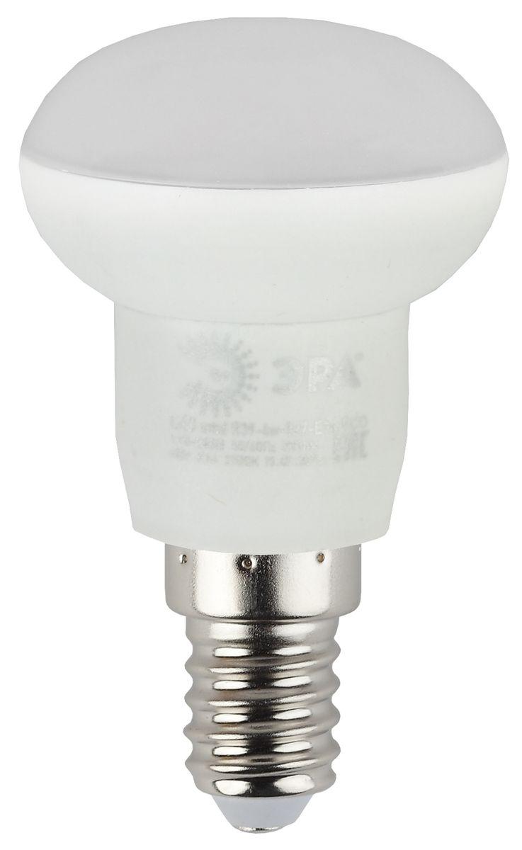Лампа светодиодная ЭРА, цоколь E14, 170-265V, 4W, 2700К5055945536591Светодиодная лампа ЭРА является самым перспективным источником света. Основным преимуществом данного источника света является длительный срок службы и очень низкое энергопотребление, так, например, по сравнению с обычной лампой накаливания светодиодная лампа служит в среднем в 50 раз дольше и потребляет в 10-15 раз меньше электроэнергии. При этом светодиодная лампа практически не подвержена механическому воздействию из-за прочной конструкции и позволяет получить любой цвет светового потока, что, несомненно, расширяет возможности применения и позволяет создавать новые решения в области освещения. Особенности серии Eco: Предназначена для обычного потребителя Цена ниже, чем цена компактной люминесцентной лампы Световая отдача источников света - 70-80 лм/Вт Срок службы составляет 25000 часов Гарантия - 1 год. Работа в цепи с выключателем с подсветкой не рекомендована.