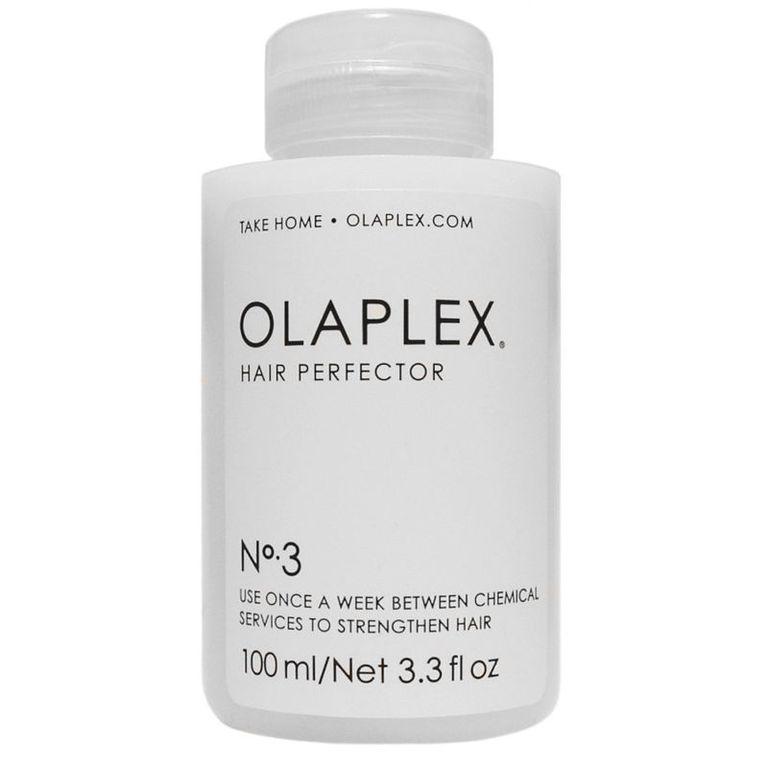 Olaplex Эликсир «Совершенство волос» №3 Hair Perfector - 100 млolaplexНair Perfector №3 — это эликсир «Совершенство Волос». Применяется в домашних условиях для сохранения эффекта, полученного после воздействия профессиональных препаратов. Даже единичная процедура (рекомендуемая частота использования ? 1 раз в неделю) позволяет защитить волосы от повседневных механических (резинками, зажимами, заколками), термических и химических повреждений. Нair Perfector эффективен также в качестве укрепляющего средства, уменьшающего вред от последующего окрашивания и других салонных процедур.