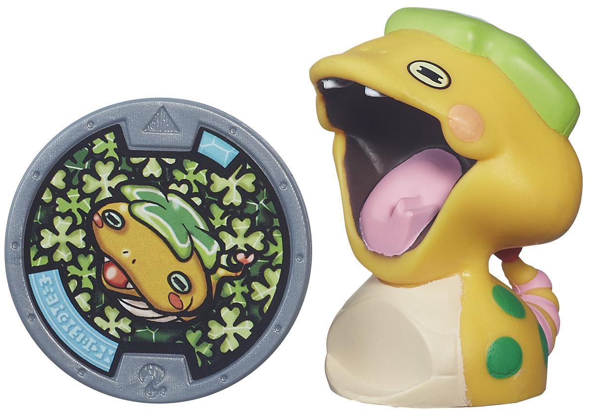 Yo-kai Watch Фигурка Noko с медальюB5937EQ0_B5942В мире Yo-kai у персонажей иногда случаются дни, когда все идет не так. Они теряют ключи. У них спадают штаны. Несомненно, во всем этом виноваты Yo-kai. Они находятся повсюду, каждый день отвлекая и доставляя неудобства окружающим. Их не может видеть никто, кроме тех персонажей, которые подружились с ними. Noko - счастливая змея! Она не любит встреч с людьми и всегда их пугается. А такие встречи происходят часто, ведь она совсем не умеет прятаться. Заведите дома забавных персонажей из мультсериала Yo-kai Watch. К каждой фигурке прилагается медаль. Играть с любой Yo-kai-медалью можно тремя способами. 1. Можно вызвать персонажа Yo-kai, вставив медаль в игрушечные часы Yo-kai Watch (приобретаются отдельно), и тогда вы услышите имя персонажа и другие звуки. Большинство медалей также могут воспроизводить песню своего клана. 2. Можно погрузиться в изучение сказочного мира Yo-kai, отсканировав медаль с помощью приложения Yo-kai Watch Land. 3. Можно...