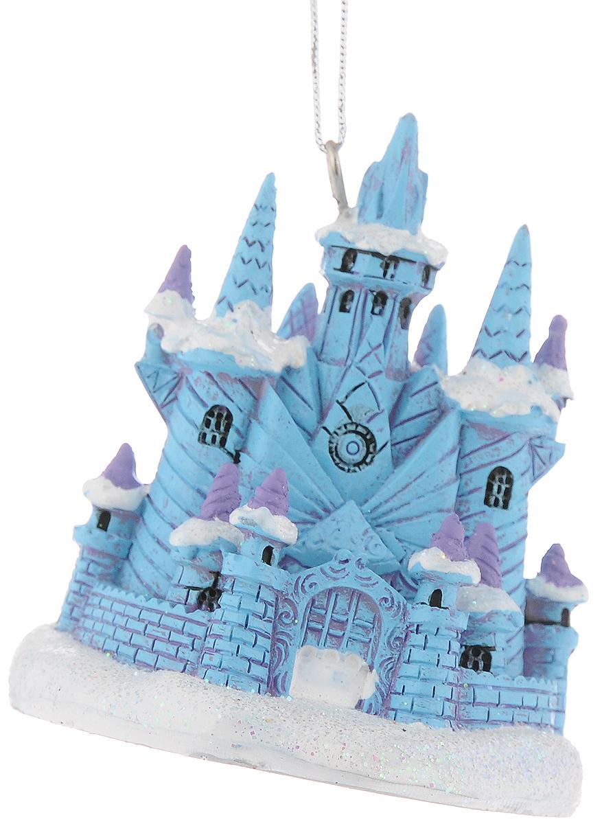 Украшение новогоднее подвесное Феникс-Презент Ледяной замок, 7,7 x 7 x 7,8 см42174Новогоднее подвесное украшение Феникс-Презент Ледяной замок выполнено из полирезины в форме замка и украшено блестками. С помощью специальной петельки украшение можно повесить в любом понравившемся вам месте. Но, конечно, удачнее всего оно будет смотреться на праздничной елке. Елочная игрушка - символ Нового года. Она несет в себе волшебство и красоту праздника. Создайте в своем доме атмосферу веселья и радости, украшая новогоднюю елку нарядными игрушками, которые будут из года в год накапливать теплоту воспоминаний. Материал: полирезина. Размеры: 7,7 x 7 x 7,8 см.