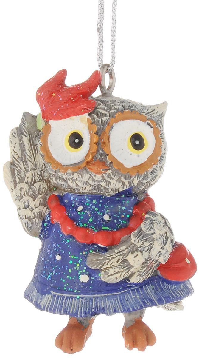 Украшение новогоднее подвесное Феникс-Презент Сова-модница, высота 5,7 см42179Новогоднее подвесное украшение Феникс-Презент Сова-модница выполнено из полирезины в виде совы и украшено блестками. С помощью специальной петельки украшение можно повесить в любом понравившемся вам месте. Но, конечно, удачнее всего оно будет смотреться на праздничной елке. Елочная игрушка - символ Нового года. Она несет в себе волшебство и красоту праздника. Создайте в своем доме атмосферу веселья и радости, украшая новогоднюю елку нарядными игрушками, которые будут из года в год накапливать теплоту воспоминаний.