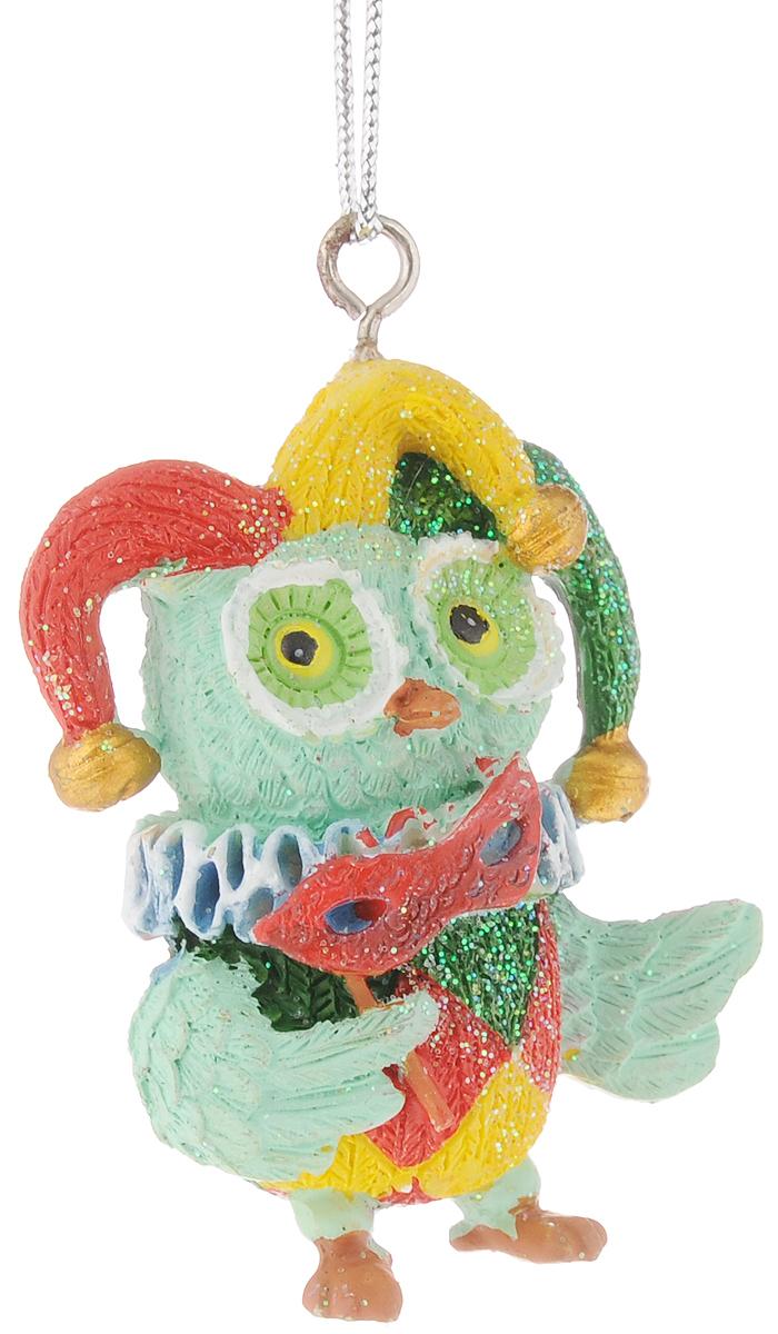 Украшение новогоднее подвесное Феникс-Презент Сова-клоун, высота 5,8 см42178Новогоднее подвесное украшение Феникс-Презент Сова-клоун выполнено из полирезины в виде совы и украшено блестками. С помощью специальной петельки украшение можно повесить в любом понравившемся вам месте. Но, конечно, удачнее всего оно будет смотреться на праздничной елке. Елочная игрушка - символ Нового года. Она несет в себе волшебство и красоту праздника. Создайте в своем доме атмосферу веселья и радости, украшая новогоднюю елку нарядными игрушками, которые будут из года в год накапливать теплоту воспоминаний.