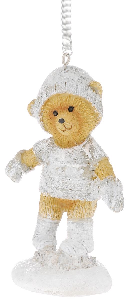 Украшение новогоднее подвесное Феникс-Презент Медвежонок на коньках, высота 8,5 см41966Новогоднее подвесное украшение Феникс-Презент Медвежонок на коньках выполнено из полирезины в виде медвежонка и украшено блестками. С помощью специальной пружины с крючком украшение можно повесить в любом понравившемся вам месте. Но, конечно, удачнее всего оно будет смотреться на праздничной елке. Елочная игрушка - символ Нового года. Она несет в себе волшебство и красоту праздника. Создайте в своем доме атмосферу веселья и радости, украшая новогоднюю елку нарядными игрушками, которые будут из года в год накапливать теплоту воспоминаний.