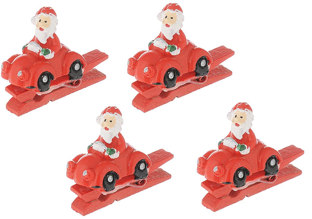 Набор новогодних украшений Magic Time Санты в автомобиле, на прищепке, 4 шт41820Набор Magic Time Санты в автомобиле состоит из 4 декоративных украшений - прищепок, изготовленных из полирезина и дерева. Изделия станут прекрасным дополнением к оформлению вашего новогоднего интерьера. Они используются для развешивания стикеров на веревке, маленьких игрушек и многого другого. Оригинальность и веселые цвета прищепок будут радовать глаз и поднимут настроение. Размер одной прищепки: 4,5 х 2 х 3,5 см.