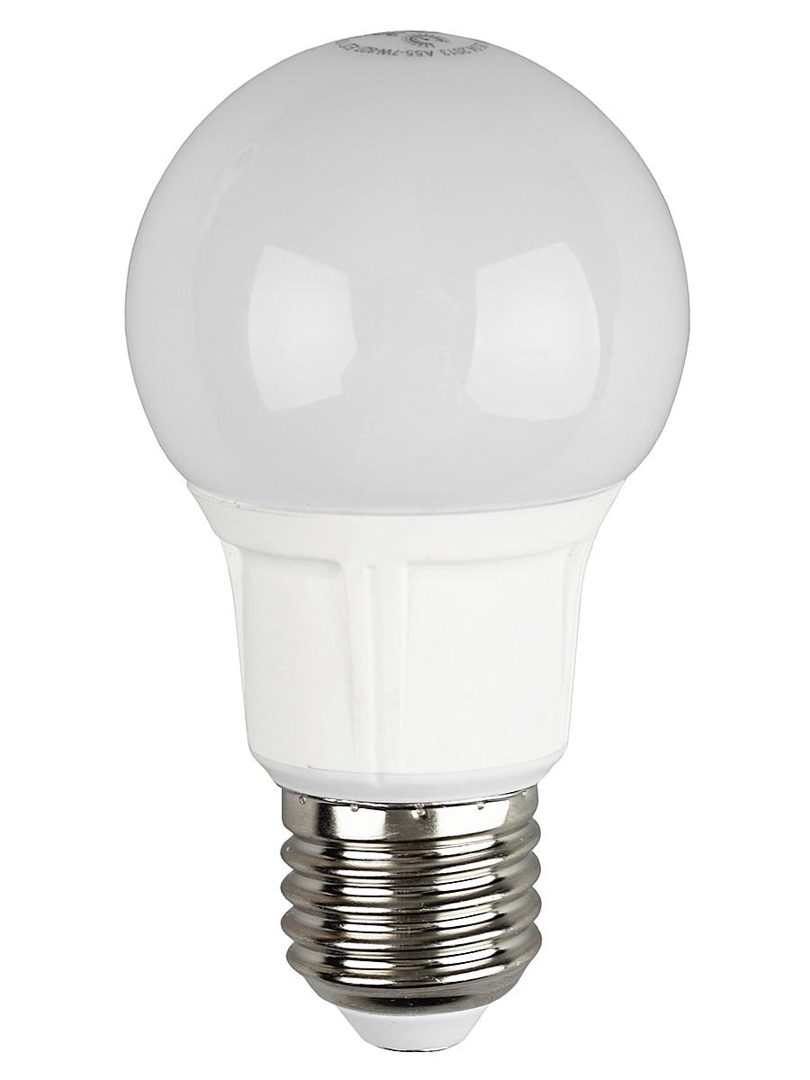 Лампа светодиодная ЭРА, цоколь E27, 170-265V, 7W, 2700К5055945502992Светодиодная лампа ЭРА является самым перспективным источником света. Основным преимуществом данного источника света является длительный срок службы и очень низкое энергопотребление, так, например, по сравнению с обычной лампой накаливания светодиодная лампа служит в среднем в 50 раз дольше и потребляет в 10-15 раз меньше электроэнергии. При этом светодиодная лампа практически не подвержена механическому воздействию из-за прочной конструкции и позволяет получить любой цвет светового потока, что, несомненно, расширяет возможности применения и позволяет создавать новые решения в области освещения. Особенности серии A60: Лампочки лучшие в соотношении цена-качество Представлена широкая линейка, наличие всех типов цоколей ламп бытового сегмента Световая отдача - 90-100 лм/Вт Гарантия - 2 года Совместимы с выключателями с подсветкой.