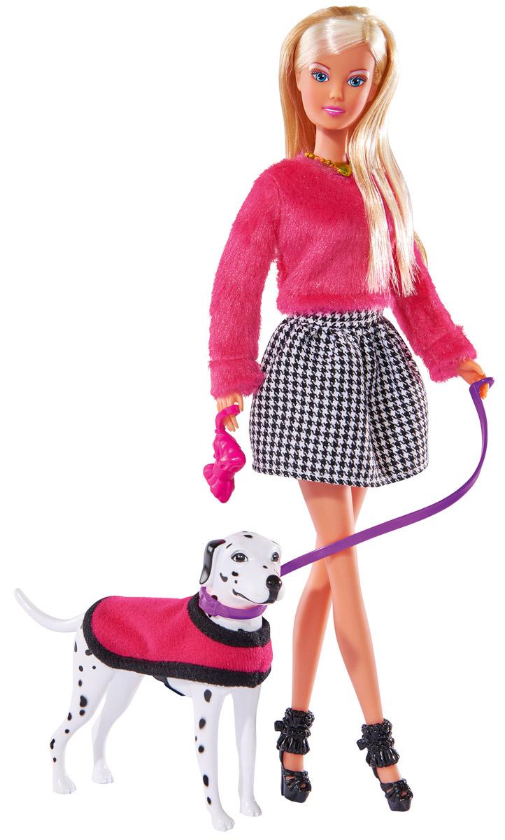 Simba Кукла Штеффи на прогулке с далматинцем5738053Кукла Simba Штеффи на прогулке с далматинцем надолго займет внимание вашей малышки и подарит ей множество счастливых мгновений. Кукла изготовлена из прочного материала, ее голова, руки и ноги подвижны, что позволяет придавать ей разнообразные позы. В комплект входит собака породы далматинец. Куколка одета в розовую меховую кофту и пышную юбку, на шее у нее подвеска, а на ногах миниатюрные сапожки. Чудесные длинные волосы куклы так весело расчесывать и создавать из них всевозможные прически, косички и хвостики. У Штеффи чудесный наряд для осенней погоды, а с ней рядом ее верный друг - собака, которая одета в розовую жилетку под стать своей хозяйке. Благодаря играм с куклой, ваша малышка сможет развить фантазию и любознательность, овладеть навыками общения и научиться ответственности, а дополнительные аксессуары сделают игру еще увлекательнее. Порадуйте свою принцессу таким прекрасным подарком!