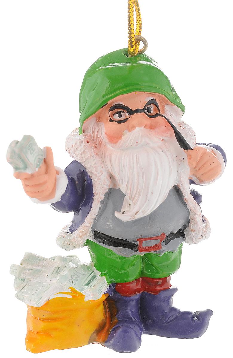 Украшение новогоднее подвесное Феникс-Презент Гном-богач, 5,8 х 4,6 х 7 см38983Новогоднее украшение Феникс-презент Гном-богач, изготовленное из высококачественного полирезина, прекрасно подойдет для праздничного декора дома и новогодней ели. С помощью специальной текстильной петельки его можно повесить в любом понравившемся вам месте. Но, конечно, удачнее всего такая игрушка будет смотреться на праздничной елке. Елочная игрушка - символ Нового года. Она несет в себе волшебство и красоту праздника. Создайте в своем доме атмосферу веселья и радости, украшая новогоднюю елку нарядными игрушками, которые будут из года в год накапливать теплоту воспоминаний.