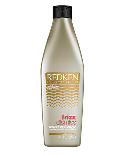 Redken Frizz Dismiss Шампунь 300 млP1039300Тонкие, непослушные, пушащиеся волосы доставляют немало неприятностей своим хозяйкам. Они путаются после мытья, с трудом расчесываются, плохо укладываются в прическу и постоянно норовят наэлектризоваться под шапкой. Справиться с волосами такого типа без специальных средств непросто. Именно поэтому компания Redken разработала шампунь для гладкости и дисциплины волос Frizz Dismiss.