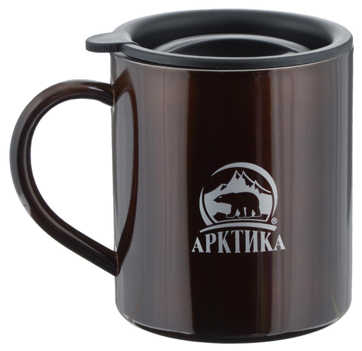 Термокружка Арктика, цвет: кофейный, 0,3 л802-300 кофейнаяТермокружка Арктика универсальна, она одинаково хороша и при использовании дома, если вы любите растягивать удовольствие от напитка и вам не нравится, что он так быстро остывает, и на даче, где такая посуда особенно впору в силу своей прочности, долговечности и практичности. Ей приятно пользоваться, ведь она не обжигает руки, ее легко мыть, можно не бояться уронить, нержавеющая сталь равнодушно выдержит любые удары судьбы. Крышка с отверстием, поставляемая в комплекте, плотно фиксируется на термокружке. Помимо той очевидной выгоды, что напиток не будет разливаться, вы можете быть уверены, что в жаркий летний день любопытные насекомые не смогут позариться на содержимое термокружки. Диаметр кружки (по верхнему краю): 7,8 см. Высота кружки (без учета крышки): 9 см.