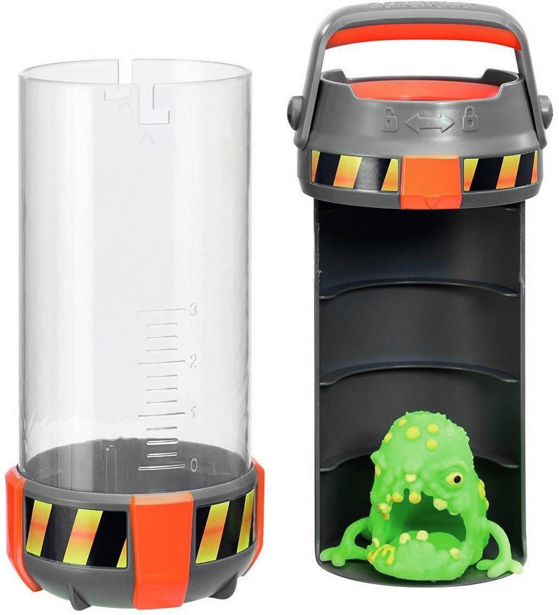 Fungus Amungus Игровой набор Токсичная капсула цвет зеленый22510.2300_зеленыйОсторожно, это токсичный контейнер! Бактериологическая опасность! Перед вами новинка 2016 года - одна из примечательных новинок серии функциональных коллекционных игрушек Fungus Amungus. По сюжету, из секретной экспериментальной лаборатории сбежали микробы и спрятались в джунглях, гаджетах, еде, дикой природе и даже в человеческом теле. Их всех нужно незамедлительно поймать! Игровой набор Fungus Токсичная капсула включает в себя капсулу для коллекционирования микробов и фигурку супермикроба эксклюзивного типа. Фигурка изготовлена из эластичного пластика. Кроме того она хорошо липнет к ровным поверхностям. Разумеется, внутреннее пространство контейнера можно использовать и более разумно. Туда могут поместиться несколько чашек Петри, встречающихся в других наборах данной серии игрушек.