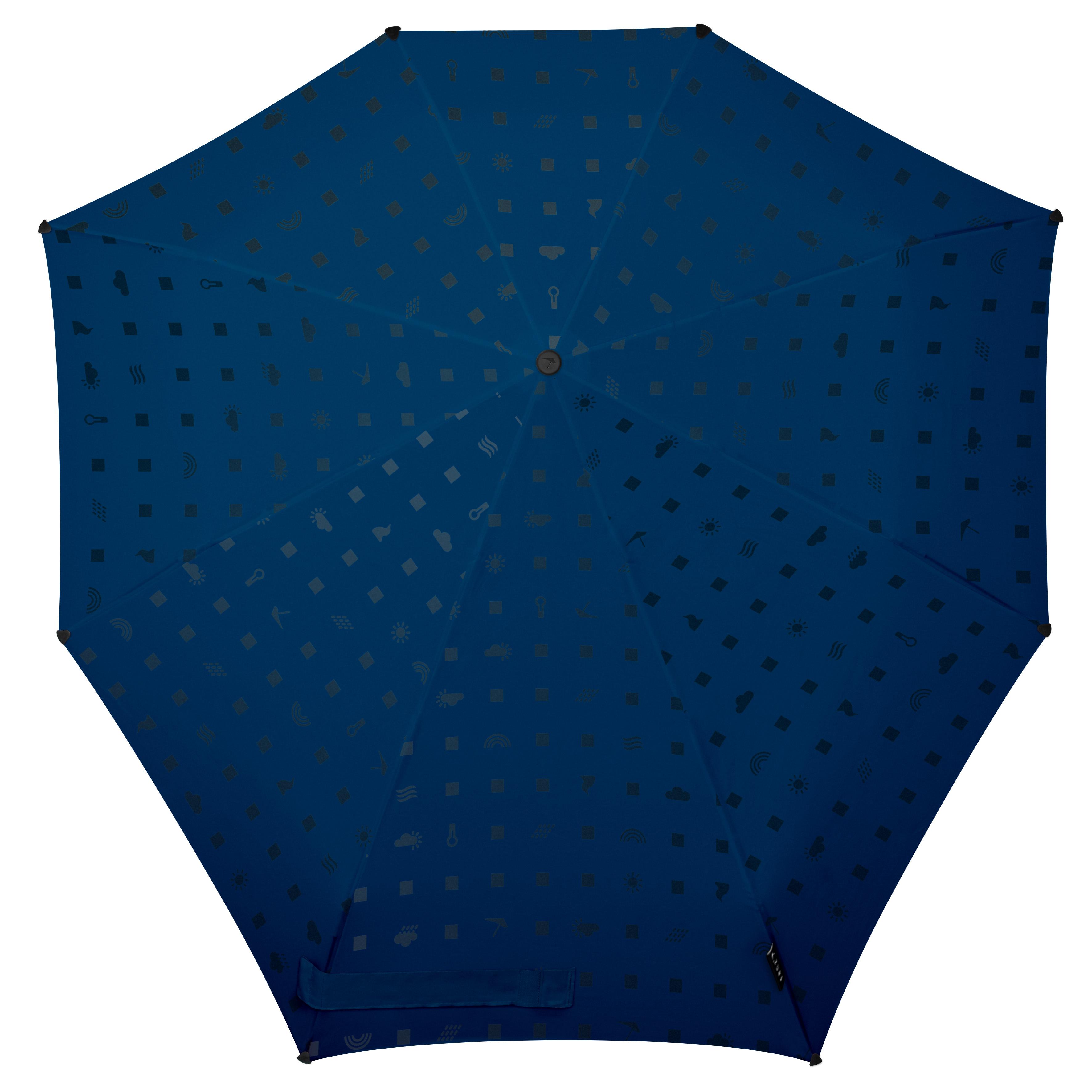Зонт Senz, цвет: синий. 10210241021024Инновационный противоштормовый зонт, выдерживающий любую непогоду. Входит в основную коллекцию бренда, которая состоит из бестселлеров прошлых лет и успешных новинок прошедшего сезона. Легкий, компактный и прочный противоштормовой зонт открывается и закрывается нажатием на кнопку. Закрывает спину от дождя. Благодаря своей усовершенствованной конструкции, зонт не выворачивается наизнанку даже при сильном ветре. Модель Senz Automatic выдержала испытания в аэротрубе со скоростью ветра 80 км/ч. Характеристики: - тип — автомат - три сложения - выдерживает порывы ветра до 80 км/ч - УФ-защита 50+ - эргономичная ручка - безопасные колпачки на кончиках спиц - принт со светоотражающими элементами - в комплекте плотный чехол - гарантия 2 года Размер купола: 91 х 91 см, длина в сложенном виде - 28 см, в раскрытом - 57 см. Весит 360 г.
