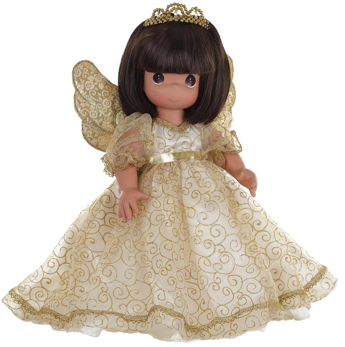 Precious Moments Кукла Ангельский шепот брюнетка6554Коллекция кукол Precious Moments высотой 30 см насчитывает на сегодняшний день более 600 видов. Куклы изготавливаются целиком из винила и имеют пять базовых точек артикуляции. Каждый год в коллекцию добавляются все новые и новые модели. Каждая кукла имеет свой неповторимый образ и характер. Она - хранитель драгоценных моментов – может быть подарком на память о каком-либо событии в жизни. Куклы выполнены с любовью и нежностью, которую дарит нам известная волшебница – создатель кукол Линда Рик!