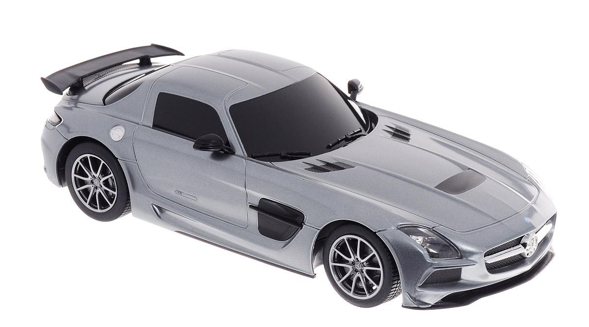 Rastar Радиоуправляемая модель Mercedes-Benz SLS AMG цвет серебристый масштаб 1:1854100_серебристыйРадиоуправляемая модель Rastar Mercedes-Benz SLS AMG предназначена для тех, кто любит роскошь и высокие скорости. Благодаря броской внешности, а также великолепной точности, с которой создатели этой модели масштабом 1:18 передали внешний вид настоящего автомобиля, модель станет подлинным украшением любой коллекции авто. Управление авто происходит с помощью пульта. Машина двигается вперед и назад, поворачивает направо и налево. Пульт управления работает на частоте 40 MHz. Шины обеспечивают отличное сцепление с любой поверхностью пола. Имеются световые эффекты. Радиоуправляемые игрушки способствуют развитию координации движений, моторики и ловкости. Подарите вашему малышу возможность почувствовать себя настоящим водителем. Машина работает от 4 батареек напряжением 1,5V типа АА (не входят в комплект), пульт управления работает от 2 батареек напряжением 1,5V типа АА (не входят в комплект).