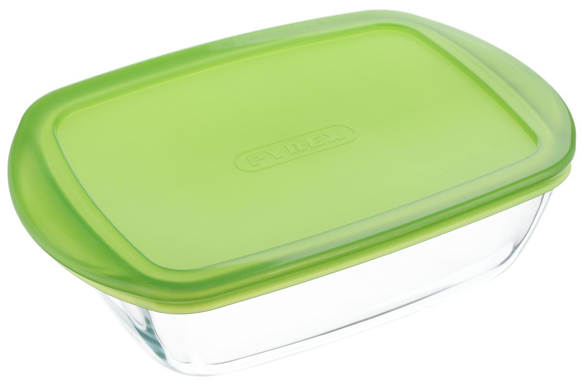 Форма для запекания Pyrex Cook & Store, прямоугольная, с крышкой, цвет: прозрачный, зеленый, 23 x 15 x 6,5 см215P000/5046Форма для запекания Pyrex Cook & Store предназначена для запекания различных блюд в духовке и с помощью СВЧ. Благодаря приятному и легкому дизайну, содержимое может подаваться на стол в этой же посуде, не требуя перекладывания. За счет многофункциональности и удобной крышки из гибкого пластика, при необходимости, форма применяется в качестве контейнера для хранения различных продуктов, а также возможно хранение приготовленной в них пищи в холодильнике. Форма изготовлена из из жаропрочного боросиликатного стекла, особенностью которого является его экологичность и гигиеничность. Устойчиво к резким перепадам температуры. Можно использовать в СВЧ. Можно мыть в посудомоечной машине. Устойчива к царапанию, не впитывает запахи, не меняет цвет. Размер формы: 23 х 15 х 6,5 см.