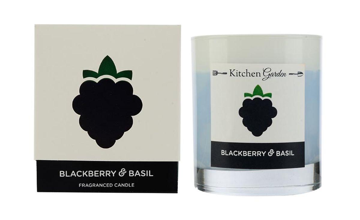 Свеча ароматизированная Wax Lyrical Ежевика и базилик, 540 гKG0301Аромат, состоящий из сочной ежевики и спелых плодов яблоневого и грушевого деревьев, богащённый травянистым оттенком базилика.
