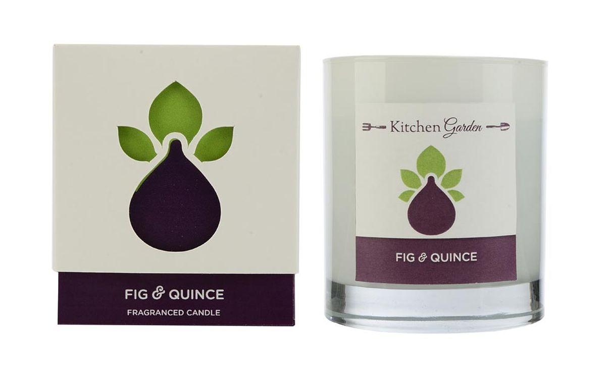 Свеча ароматизированная Wax Lyrical Инжир и айва, 540 гKG0302Аромат совмещает в себе древесные и цветочные ноты, в сочетании с фруктово-ягодным миксом из яблока, малины и, конечно, смоковицы и айвы.