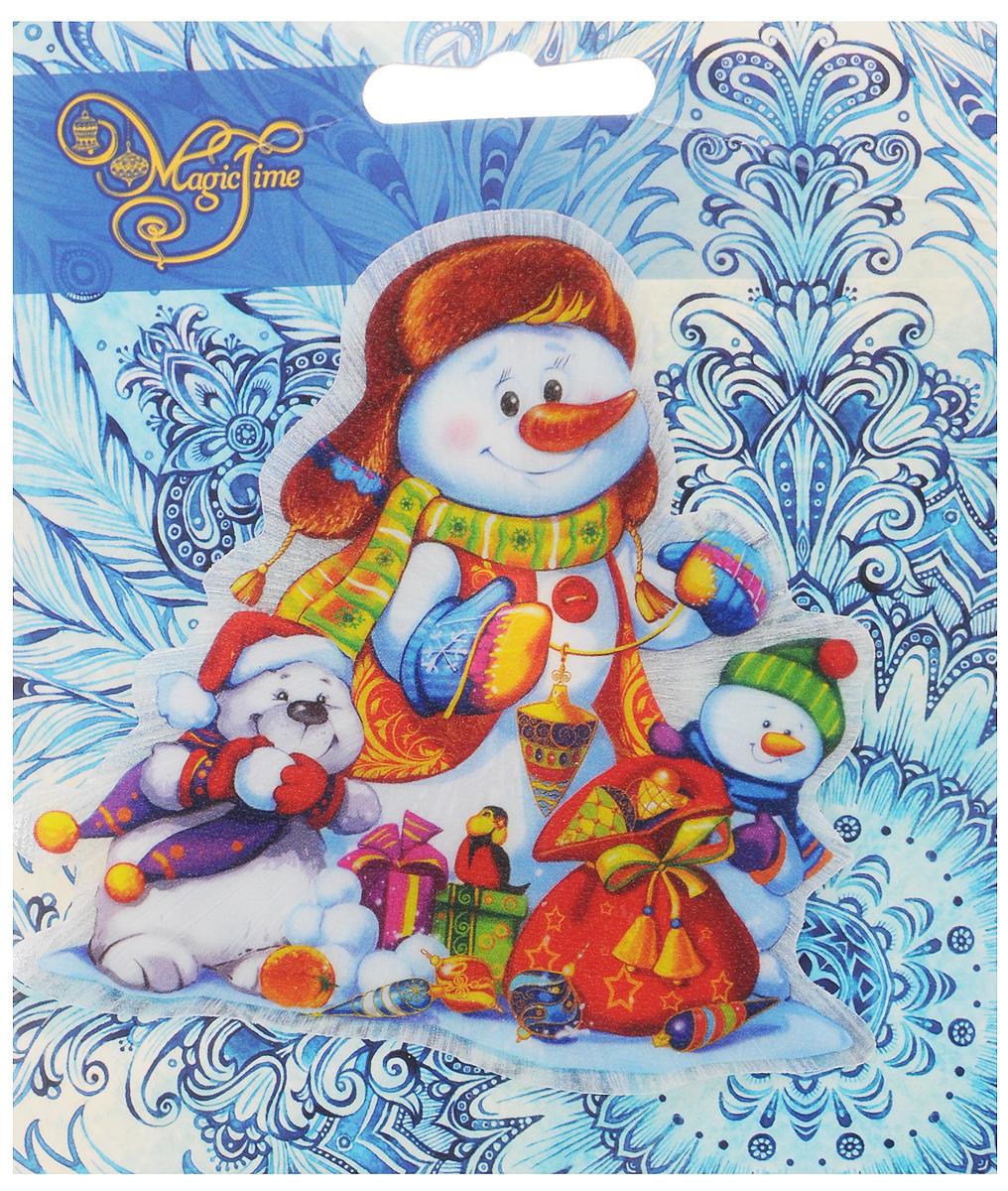 Украшение новогоднее Magic Time Снеговики, со светодиодной подсветкой, на присоске, 10,5 x 10 x 3 см42195Новогоднее украшение Magic Time Снеговики выполнено из поливинилхлорида. Украшение представляет собой пластиковую картину с изображением снеговиков с подарками. С помощью присоски украшение можно прикрепить на любое понравившееся вам место. Изделие оснащено светодиодной подсветкой.В комплект входит элемент питания LR44 (мощность 0,06 Вт, напряжение 3 В) Новогоднее украшение Magic Time Снеговики несет в себе волшебство и красоту праздника. Создайте в своем доме атмосферу веселья и радости, с помощью игрушек, которые будут из года в год накапливать теплоту воспоминаний. Размер украшения: 10,5 х 10 х 3 см.