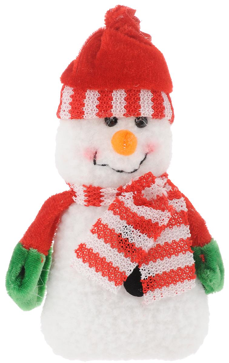 Украшение новогоднее подвесное Феникс-Презент Снеговик с шарфом, 15 x 8 см42533Новогоднее украшение Феникс-Презент Снеговик с шарфом отлично подойдет для декорации вашего дома и новогодней ели. Изделие выполнено из полиэстера в виде снеговика. Елочная игрушка - символ Нового года. Она несет в себе волшебство и красоту праздника. Создайте в своем доме атмосферу веселья и радости, украшая всей семьей новогоднюю елку нарядными игрушками, которые будут из года в год накапливать теплоту воспоминаний. Коллекция декоративных украшений принесет в ваш дом ни с чем не сравнимое ощущение волшебства. Размер изделия: 15 х 8 см.