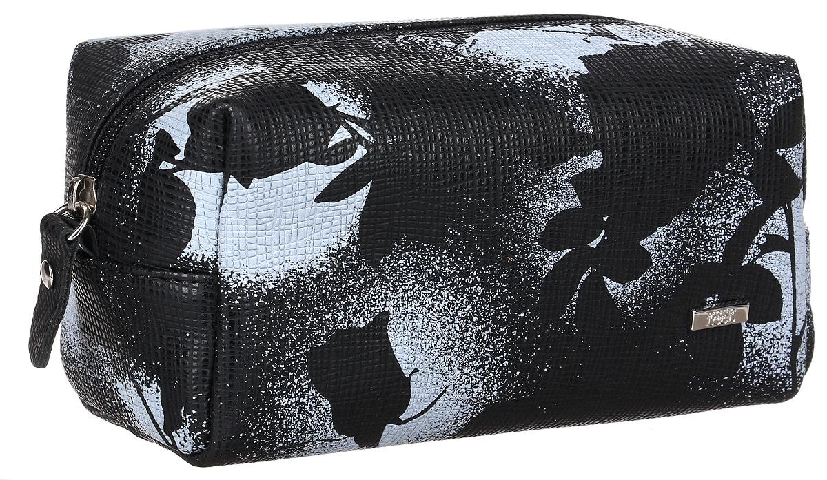 Косметичка женская Esse Минна, цвет: черный. GMNN00-000000-FC501O-K100GMNN00-000000-FC501O-K100Элегантная косметичка Esse Минна выполнена из натуральной кожи с цветочным принтом. Косметичка имеет одно отделение, закрывающееся на застежку-молнию. Дополнено изделие небольшой металлической пластиной с названием бренда. Косметичка Esse Минна- практичный универсальный аксессуар для повседневного использования.