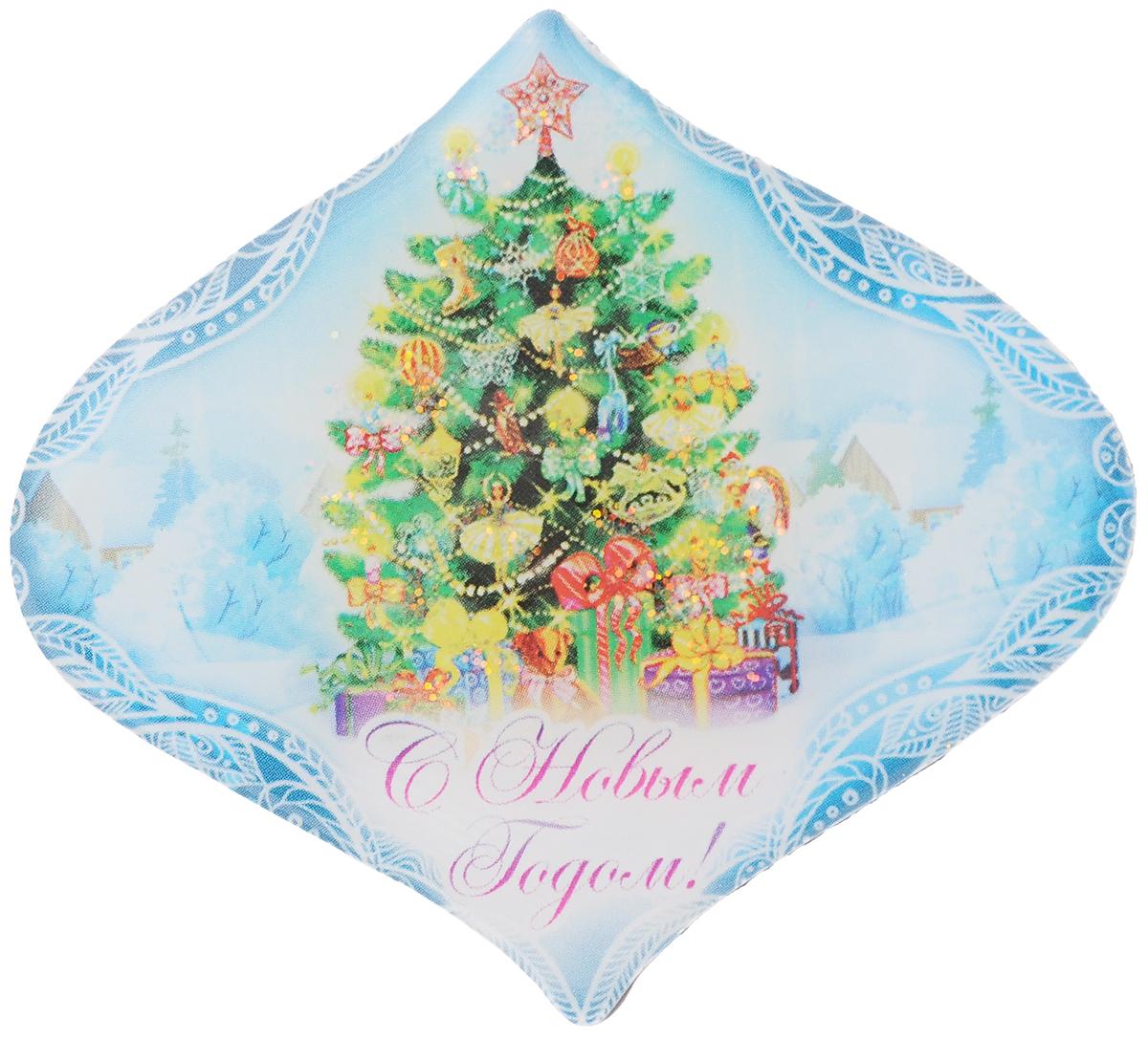 Магнит декоративный Magic Time Пушистая елочка, 6,7 x 6 см42294Магнит Magic Time Пушистая елочка, выполненный из агломерированного феррита, прекрасно подойдет в качестве сувенира к Новому году или станет приятным презентом в обычный день. Магнит - одно из самых простых, недорогих и при этом оригинальных украшений интерьера. Он поможет вам украсить не только холодильник, но и любую другую магнитную поверхность. Размер: 6,7 х 6 см. Материал: агломерированный феррит.