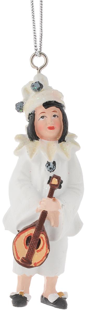 Украшение новогоднее подвесное Феникс-Презент Пьеро, высота 8,4 см42166Новогоднее украшение Феникс-Презент Пьеро отлично подойдет для декорации вашего дома и новогодней ели. Изделие выполнено из полирезины и оснащено специальной петелькой для подвешивания. Елочная игрушка - символ Нового года. Она несет в себе волшебство и красоту праздника. Создайте в своем доме атмосферу веселья и радости, украшая всей семьей новогоднюю елку нарядными игрушками, которые будут из года в год накапливать теплоту воспоминаний. Размер украшения: 2,9 х 2,7 х 8,4 см.
