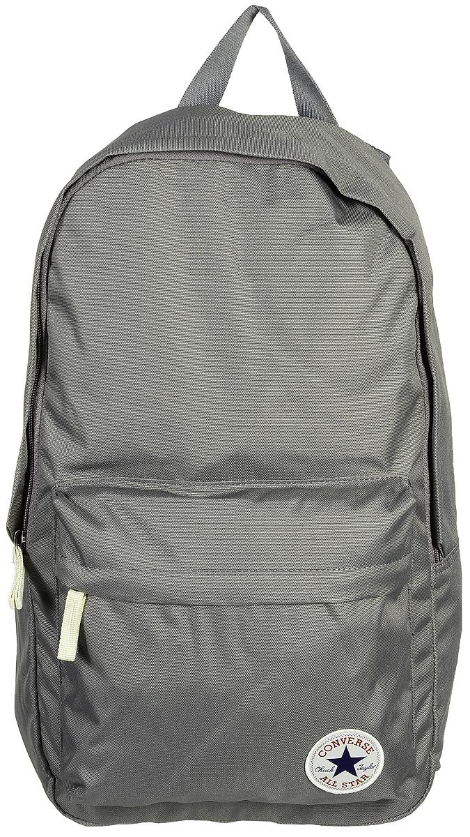 Рюкзак городской Converse Core Poly Backpack, цвет: серый. 1000265101010002651010Стильный рюкзак Converse Core Poly Backpack понравится вам с первого взгляда. Он выполнен из высококачественного плотного полиэстера и оформлен фирменной нашивкой. На лицевой стороне расположен удобный накладной карман на молнии. Внутри расположено главное вместительное отделение, которое закрывается на застежку-молнию. Также внутри находится отделение с уплотненной стенкой для ноутбука, закрывающееся хлястиком на застежку-липучку. Рюкзак оснащен удобными лямками регулируемой длины и ручкой для переноски в руке. Такой практичный рюкзак станет незаменимым аксессуаром в вашем гардеробе.