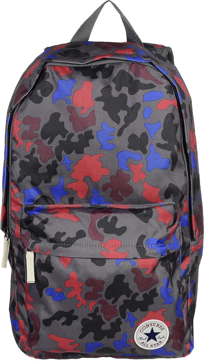 Рюкзак городской Converse Core Poly Backpack, цвет: красный, синий, серый. 1000253109810002531098Стильный рюкзак Converse Core Poly Backpack выполнен из плотного полиэстера и оформлен оригинальным принтом. На лицевой стороне расположен удобный накладной карман на молнии. Изделие закрывается на удобную застежку-молнию. Внутри находится одно вместительное отделение, которое содержит один мягкий карман для планшета. Рюкзак оснащен широкими регулирующими лямками и удобной ручкой для переноски в руках. Внутренняя сторона лямок оснащена сетчатыми вставками, которые обеспечивают воздухопроницаемость и комфорт во время носки. Стильный городской рюкзак идеально подойдет для повседневного использования.