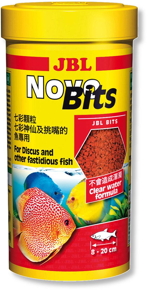 Корм JBL NovoBits для дискусов и других привередливых тропических рыб, в форме гранул, 440 г (1 л)JBL3031540Основной корм JBL NovoBits предназначен для дискусов и других привередливых тропических рыб длиной 8-20 см. Тонущие гранулы предотвращают вероятность заглатывания рыбой воздуха. Содержание фосфатов в корме сбалансировано для регуляции роста растений и оптимального роста рыбы. Стабилизированный витамин С и другие жизненно важные витамины, а также биоэлемент инозит обеспечивают здоровый рост и укрепление иммунитета. Профессионально подобранные гранулы приготовлены из основных и важных для рыбы составляющих. Улучшение окраса рыбы достигается благодаря высокому уровню содержания астаксантина и каротиноидов в корме. Рекомендации по кормлению: 2-3 раза в день в количестве, которое съедается рыбками за 2-3 минуту. Анализ: белок - 43%, жир - 6%, клетчатка - 3%, зола - 10%. Содержание витаминов на 1 кг: Витамин А 25000 IE, Витамин D3 2000 IE, Витамин Е 330 мг, Витамин С 400 мг. Товар сертифицирован.