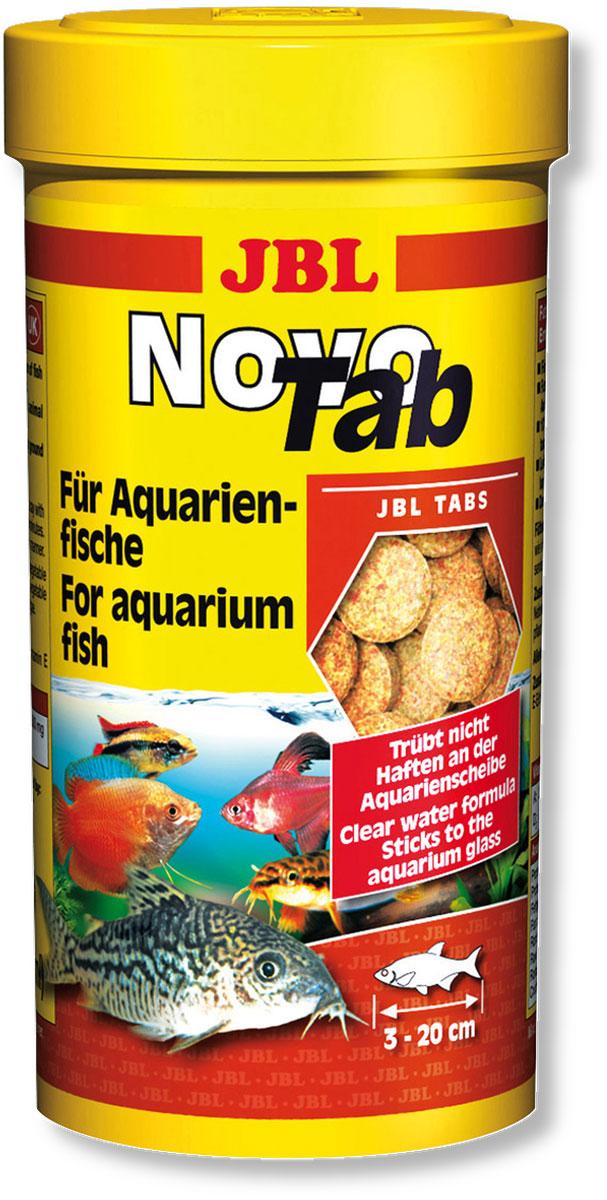 Корм JBL NovoTab для всех видов аквариумных рыб, в форме таблеток, 250 мл (150 г)JBL3024000Таблетки JBL NovoTab содержат, наряду с питательными рачками, высушенными по технологии вакуумной заморозки (10%), и другие высококачественные компоненты в виде специально скомпонованной смеси, адаптированной к питательным потребностям всеядных донных рыб и рыб, обитающих в средних слоях аквариума, в том числе: рыба и рыбные продукты, зерновые, овощи, дрожжи, растительные продукты, насекомые, рачки, водоросли, а также яйца и яичные продукты. Прилепляя таблетки в любом месте аквариумного стекла, вы целенаправленно обеспечиваете кормом рыб, обитающих в средней зоне аквариума, и можете понаблюдать за тем, как они его поедают. Положив таблетки на дно аквариума, вы обеспечите кормом панцирных сомов и других всеядных донных рыб. Стабилизированный витамин С и другие жизненно важные витамины, а также биоэлемент Инозит обеспечивают здоровый рост и укрепляют иммунитет. Кормление можно осуществлять несколько раз в день, но всегда небольшими дозами,...