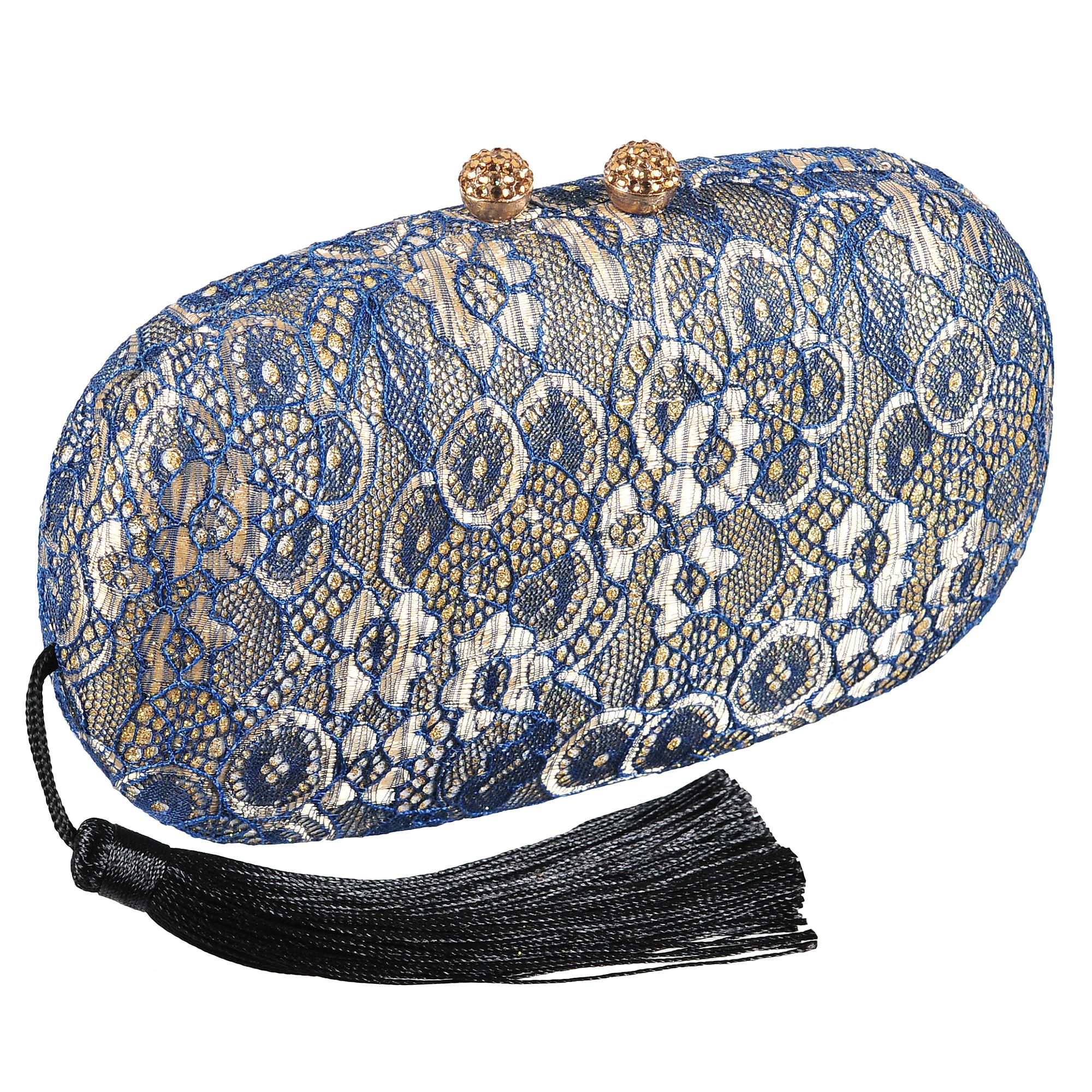 Клатч женский Модные истории, цвет: синий. 3/0239/1803/0239/180Оригинальный клатч закругленной прямоугольной формы с магнитным замочком. Выполнен из текстиля. Декорирован ажурным плетением с блестками. Одно отделение с тканью имитирующей бархат. Имеется ремешок, который позволяет носить клатч на плече. Сбоку текстильная кисточка, которую при желании можно убрать внутрь. Состав: текстиль, металл. Размер: 17,5*9,5 см.