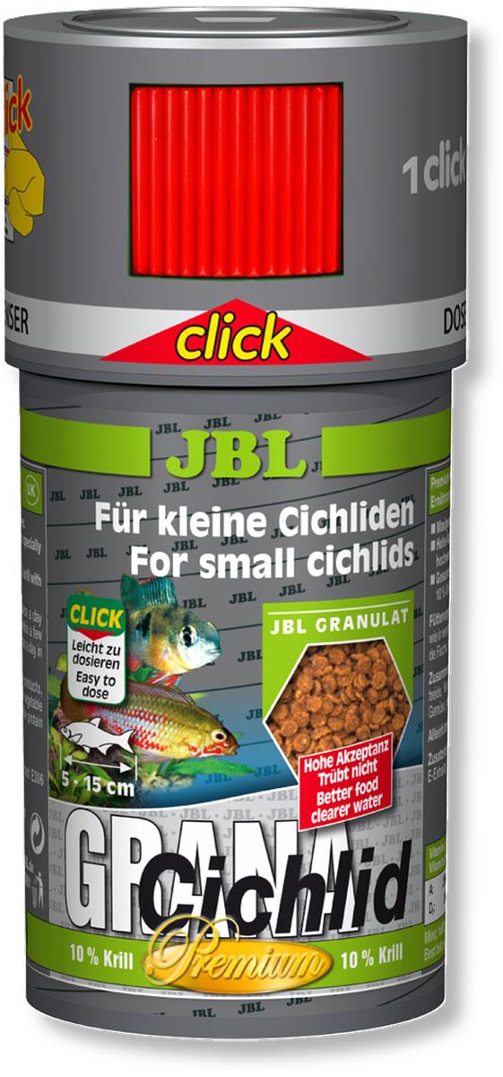 Корм JBL GranaCichlid Click для плотоядных цихлид, в форме гранул, 250 мл (110 г)JBL4065600Корм для рыб JBL GranaCichlid Click - медленно тонущие гранулы для плотоядных цихлид среднего размера. Животные компоненты корма состоят преимущественно из рыбного белка, 10% криля обеспечивает оптимальное пищеварение, поэтому корм не загрязняет воду. Корм произведен по технологии высокотемпературной обработки сырья. Гранулы опускаются под воду с различной скоростью, благодаря чему этот корм доступен для рыб, живущих в различных зонах аквариума. Высокое содержание питательных элементов и легкая перевариваемость способствуют быстрому насыщению крупных рыб при минимальной нагрузке на воду. Жизненно важные витамины улучшают здоровье и повышают иммунитет. Кормление несколько раз в день небольшими порциями, которые могут быть съедены за несколько минут. Корм для рыб длиной от 5 до 15 см. Корм поставляется в банке с дозатором для точного дозирования гранул. Состав: рыба и рыбные побочные продукты 21,6%, растительные побочные продукты 14,7%, овощи 12,5%, экстракты...