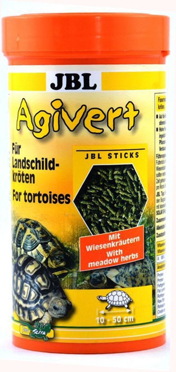 Корм JBL Agivert для черепах, в виде палочек, 250 мл (105 г)JBL7033200Корм JBL Agivert - основной корм для сухопутных черепах. Кормовая смесь представляет собой полноценный сбалансированный рацион, содержащий в своем составе необходимые для рептилий питательные вещества и способствующий здоровому развитию и интенсивному росту рептилий. Комплекс витаминов и минералов укрепляет иммунитет, а оптимально подобранное сочетание протеинов, балластных веществ, кальция и фосфора укрепляет кости и панцирь питомца. Корм идеален для содержания рептилий любого возраста. Рекомендации по кормлению: Молодые, еще растущие рептилии должны получать корм несколько раз в день небольшими порциями. Для взрослых рептилий достаточно 4-5 кормлений в неделю. Идеальный размер корма для черепах от 10 до 50 см. Состав: овощи, зерновые и минеральные вещества, Содержание витаминов в 1000 г: витамин А 25000 i.e., витамин D3 2000 i.e., витамин Е 300 мг, витамин С 200 мг. Протеин 12,5%, жир 2,5%, клетчатка 22%,...