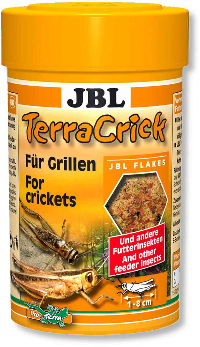 Корм JBL TerraCrick сверчков и других кормовых насекомых, 100 мл (60 г)JBL7027100Корм JBL TerraCrick для улучшения питательной ценности сверчков и других кормовых насекомых, личинок мучного хрущака. С точки зрения физиологии пищеварения для ящериц и других рептилий важную роль играет содержимое кишечника кормовых насекомых. Большинство кормовых насекомых специально выращиваются и после транспортировки имеют пустой пищеварительный тракт. В результате кормления кормом JBL TerraCrick пищеварительный тракт этих насекомых загружается ценными веществами, такими как минералы, углеводы, витамины, которые в свою очередь существенно укрепляют здоровье насекомоядных рептилий. Рекомендация по кормлению: прежде, чем скармливать насекомых рептилиям, давайте им в течение 24 часов корм JBL TerraCrick. Плоское блюдце с водой всегда должно быть в распоряжении насекомых. Идеальный размер корма для насекомых от 1 до 8 см. Состав: белок 28%, жир-сырец 4%, клетчатка 6%, чистая зола 7%, витамин А 28000 I.E., витамин D3 3000 I.E., витамин Е 400 мг., ...