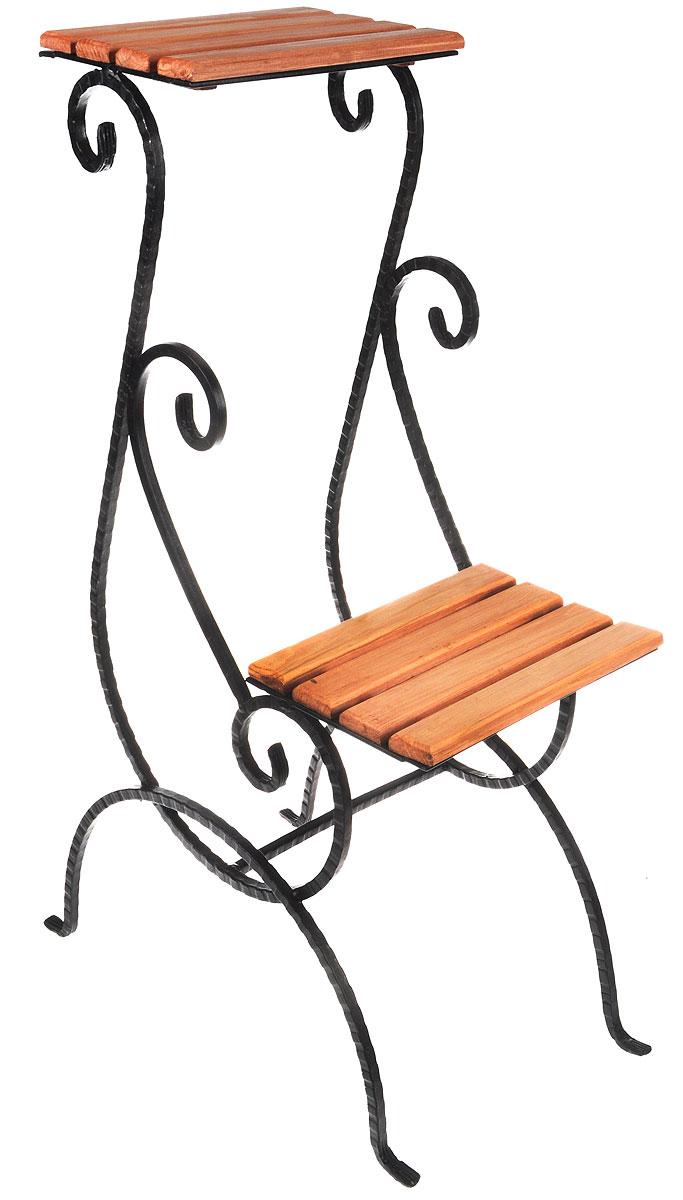 Подставка для цветов Фабрика ковки, на 2 цветка, цвет: черный, коричневый. 59-71259-712Подставка Фабрика ковки предназначена для размещения двух цветочных кашпо. Выполнена из металлического прутка и дерева. Корзинки при этом размещаются на разных уровнях, что позволяет создавать удивительные цветочные композиции. Роль ножек исполняют изогнутые прутки, обеспечивающие устойчивое расположение цветков. Оригинальная асимметричная форма подставки придает ей особую легкость и невесомость. Размер подставки: 48 х 29 х 80 см. Размер полок: 25 х 19 см.