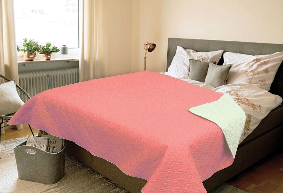 Покрывало Amore Mio Verdo, евро, цвет: розовый81788Роскошное покрывало Amore Mio Verdo идеально для декора интерьера в различных стилевых решениях. Однотонное изделие изготовлено из высококачественного полиэстера и оформлено рельефным рисунком. Каждая сторона имеет свой цвет, поэтому настроение можно поменять, лишь перевернув покрывало на другую сторону. Покрывало приятное, мягкое, легкое, может послужить не только на кровати, но и в качестве облегченного одеяла, а также как дорожного пледа, великолепно в качестве покрывала для пикников. Занимает мало места, легко стирается, неприхотливо в уходе.