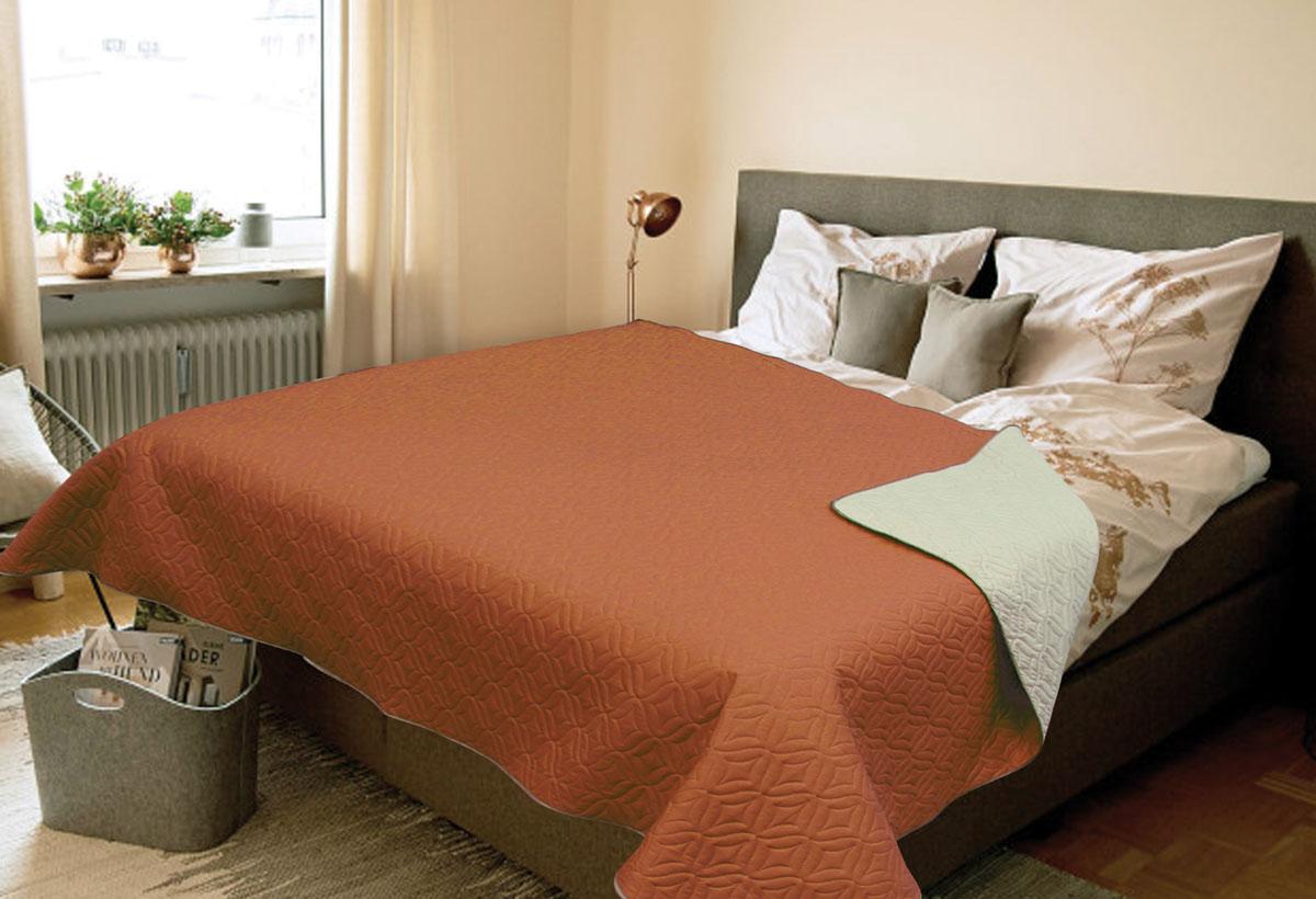 Покрывало Amore Mio Verdo, евро, цвет: коричневый81790Роскошное покрывало Amore Mio Verdo идеально для декора интерьера в различных стилевых решениях. Однотонное изделие изготовлено из высококачественного полиэстера и оформлено рельефным рисунком. Каждая сторона имеет свой цвет, поэтому настроение можно поменять, лишь перевернув покрывало на другую сторону. Покрывало приятное, мягкое, легкое, может послужить не только на кровати, но и в качестве облегченного одеяла, а также как дорожного пледа, великолепно в качестве покрывала для пикников. Занимает мало места, легко стирается, неприхотливо в уходе.