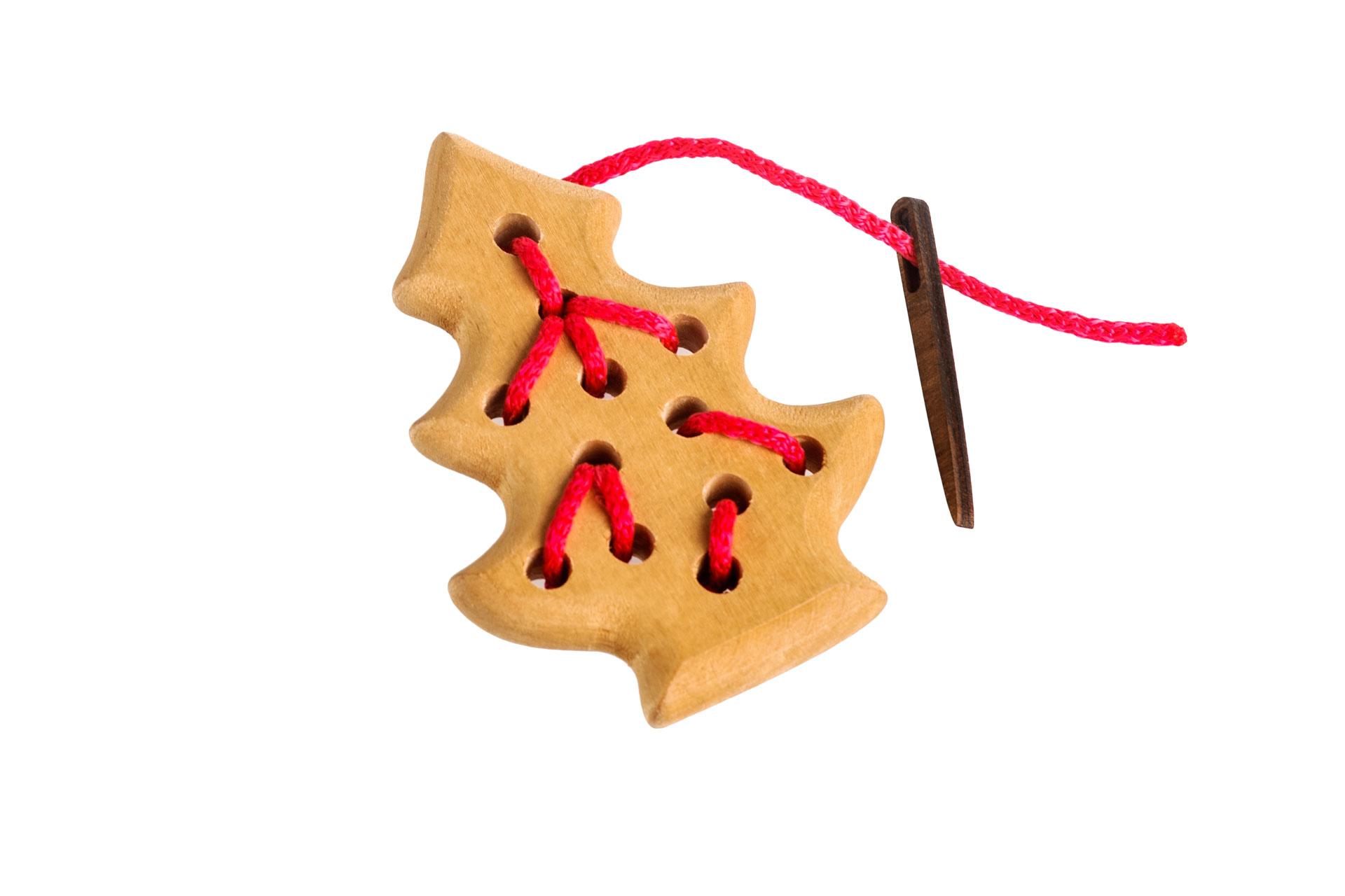 Томик Шнуровка Елочка611-4Забавная шнуровка для раннего развития Вашего ребенка. 100% натуральные материалы, непередаваемый запах дерева