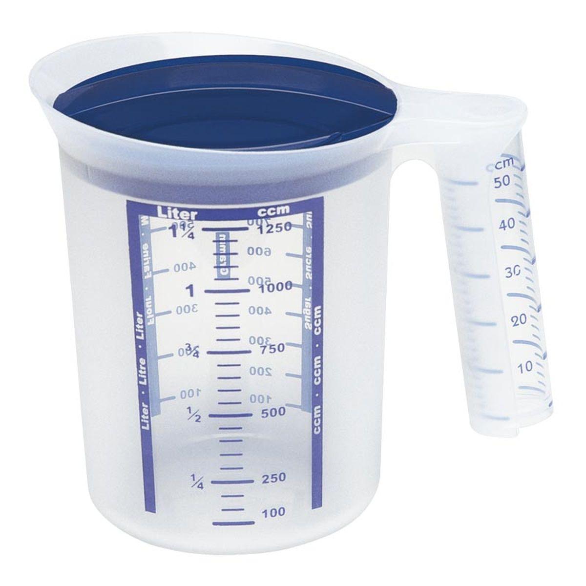 Стакан мерный Emsa Superline, 1,25 л2153120400Мерный стакан Emsa Superline оснащен кольцом для защиты от брызг и крышкой. Имеет практичные деления для замера малых объемов. Подходит для микроволновой печи. Можно мыть в посудомоечной машине.