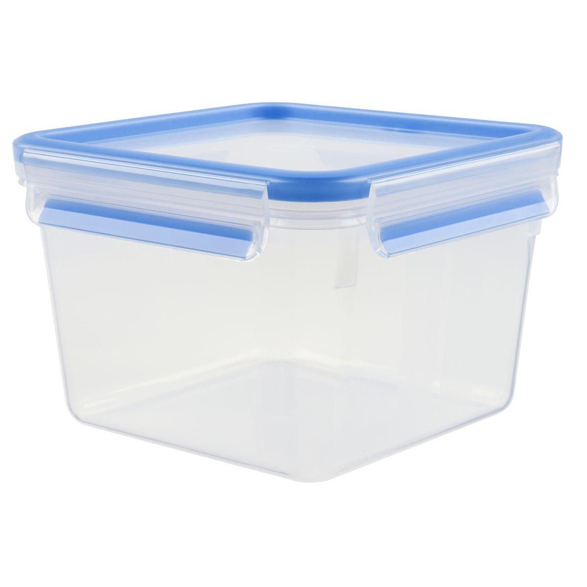 Контейнер пищевой Emsa Clip&Close, 1,75 л508537Контейнер Emsa Clip&Close изготовлен из высококачественного антибактериального пищевого пластика, имеющего сертификат BPA-free, который выдерживает температуру от -40°С до +110° С, не впитывает запахи и не изменяет цвет. Это абсолютно гигиеничный продукт, который подходит для хранения даже детского питания. 100% герметичность - идеально не только для хранения, но и для транспортировки пищи. Герметичность достигается за счет специальных силиконовых прослоек, которые позволяют использовать контейнер для хранения не только пищи, но и жидкости. В таком контейнере продукты долгое время сохраняют свою свежесть - до 4-х раз дольше по сравнению с обычными, в том числе и вакуумными контейнерами. 100% гигиеничность - уникальная технология применения медицинского силикона в уплотнителе крышки: никаких полостей - никаких микробов. Изделие снабжено крышкой, плотно закрывающейся на 4 защелки. 100% удобство - прозрачные стенки позволяют просматривать содержимое,...
