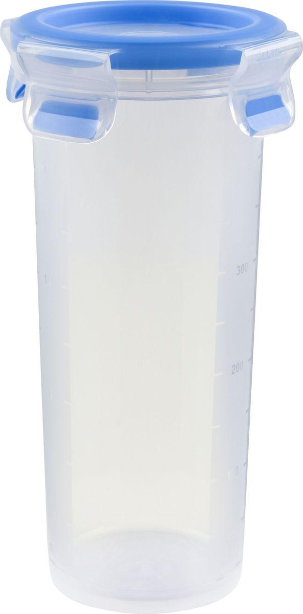 Контейнер пищевой Emsa Clip&Close, 0,5 л508554Контейнер Emsa Clip&Close изготовлен из высококачественного антибактериального пищевого пластика, имеющего сертификат BPA-free, который выдерживает температуру от -40°С до +110°С, не впитывает запахи и не изменяет цвет. Это абсолютно гигиеничный продукт, который подходит для хранения даже детского питания. 100% герметичность - идеально не только для хранения, но и для транспортировки пищи. Герметичность достигается за счет специальных силиконовых прослоек, которые позволяют использовать контейнер для хранения не только пищи, но и жидкости. В таком контейнере продукты долгое время сохраняют свою свежесть - до 4-х раз дольше по сравнению с обычными, в том числе и вакуумными контейнерами. 100% гигиеничность - уникальная технология применения медицинского силикона в уплотнителе крышки: никаких полостей - никаких микробов. Изделие снабжено крышкой, плотно закрывающейся на 4 защелки. 100% удобство - прозрачные стенки позволяют просматривать содержимое. Изделие...