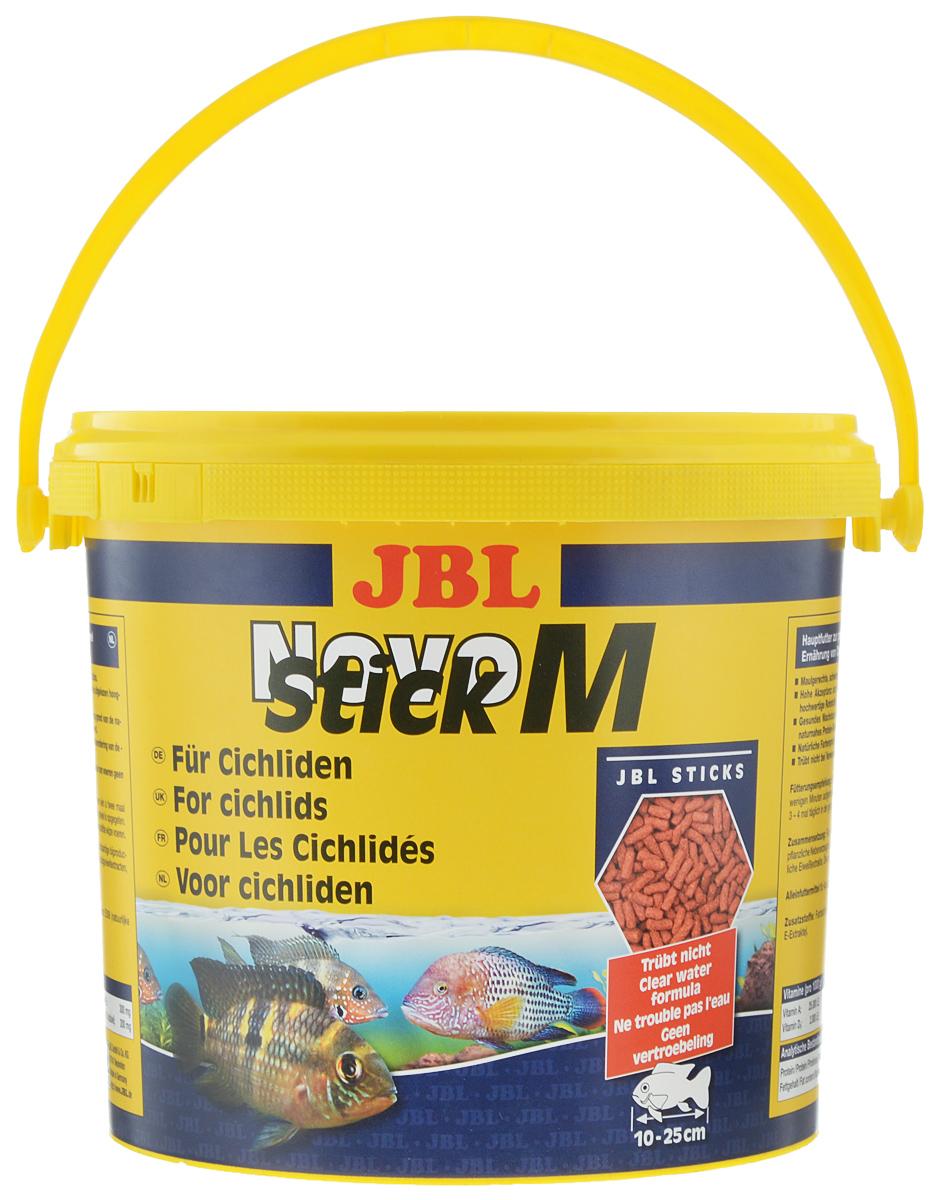 Корм JBL NovoStick M, для плотоядных цихлид, 2,53 кгJBL3029100Корм JBL NovoStick M содержит в специально подобранной смеси все компоненты, ориентированные на питательные потребности плотоядных цихлид и других крупных аквариумных рыб. Жизненно важные витамины и натуральные экстракты обеспечивают здоровый рост, яркую окраску и укрепляют иммунитет. Благодаря соответствующей форме в виде небольших палочек, корм особенно охотно поглощается крупными цихлидами и другими крупными рыбами, обитающими в аквариуме. Корм предназначен для рыб длиною от 10 до 25 см. Состав: рыбы, злаковые, овощи, моллюски и ракообразные, масла и жиры. Товар сертифицирован.