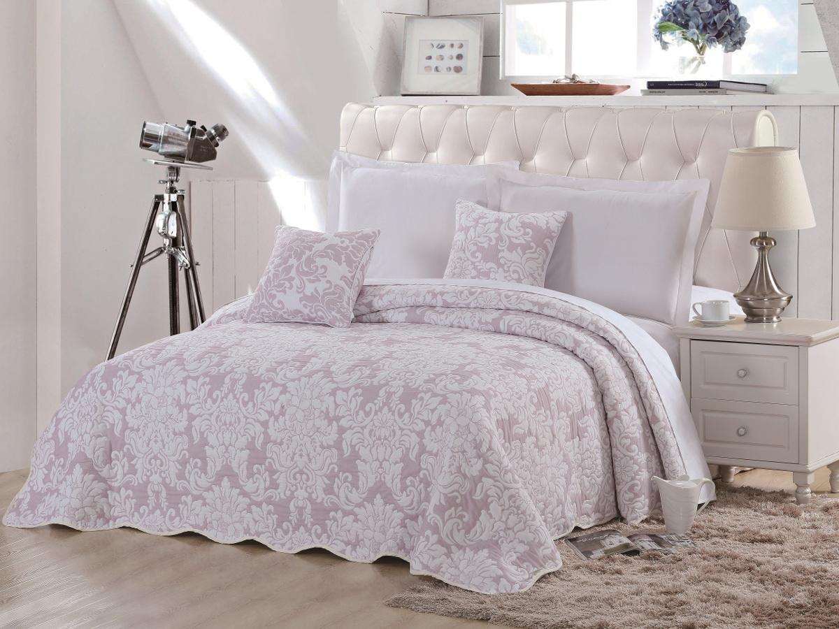 Покрывало Cleo Элегия, цвет: розовый, 160 х 220 см290/002(1)-16-BRКрасивые, яркие, легкие и в меру объемные покрывала - они становятся настоящим украшением, завершающим штрихом интерьера, который преображает помещение, делая его уютным и комфортным. Состав этой коллекции - 100% хлопок. Это необыкновенно прочная, практичная, устойчивая к разнообразным воздействиям ткань. Рисунок, выполненный методом тиснения, сохраняет краски в течение долгого времени. Такое покрывало прослужит много лет, радуя вас и ваших близких изначальной яркостью своих красок.